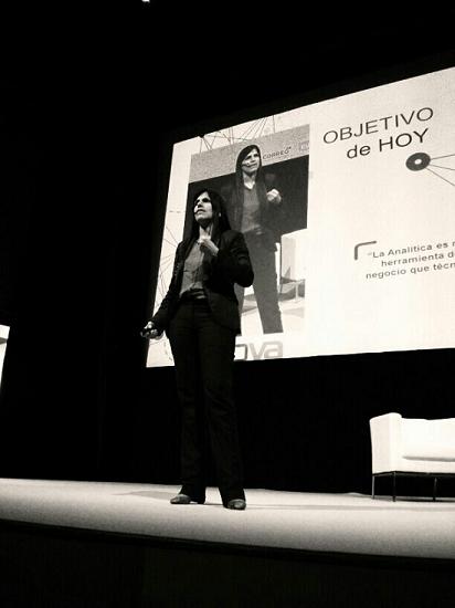 Gemma Muñoz (sorprendida) durante su charla en el Innova Bilbao 2014.