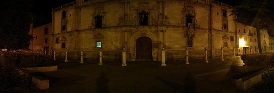 fachada-universidad-alcalá